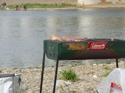 Barbecue at the Tamagawa (Tama River)